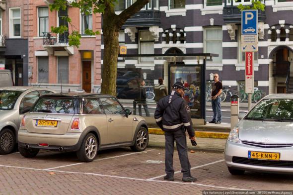 Парковочная полиция в Амстердаме